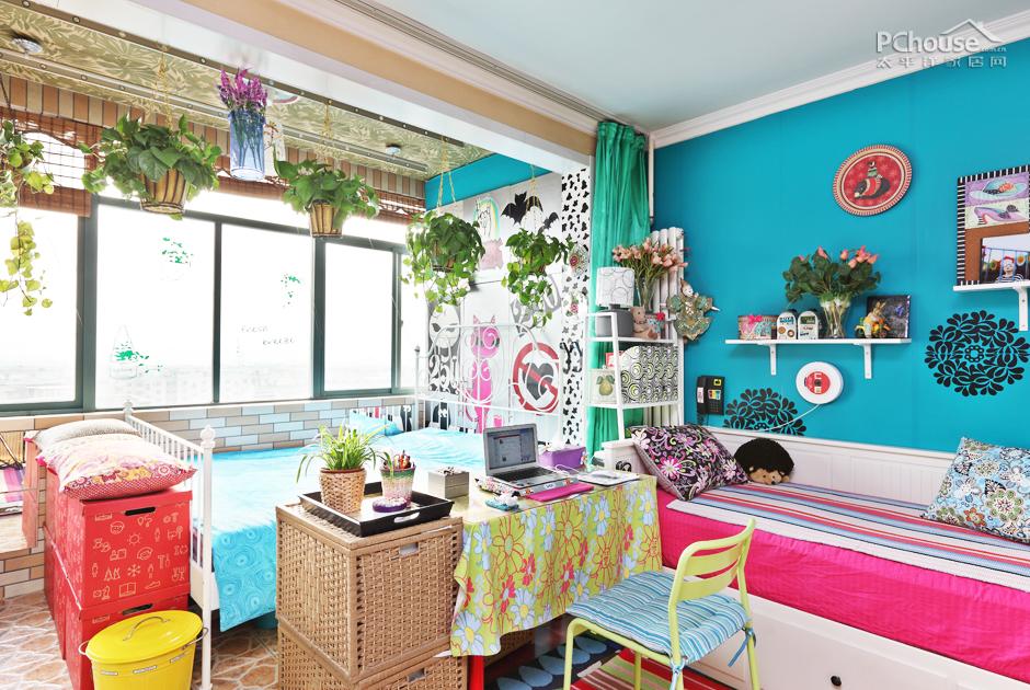 手机diy贴钻图案_家也要欢乐到底 DIY色彩控的三室一厅_家居大家秀_太平洋家居网
