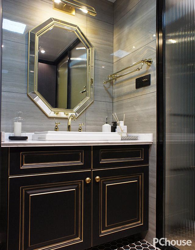 浴室柜找本地厂家定制实木黑色描金柜门,拉手自己另配,台面找石材厂
