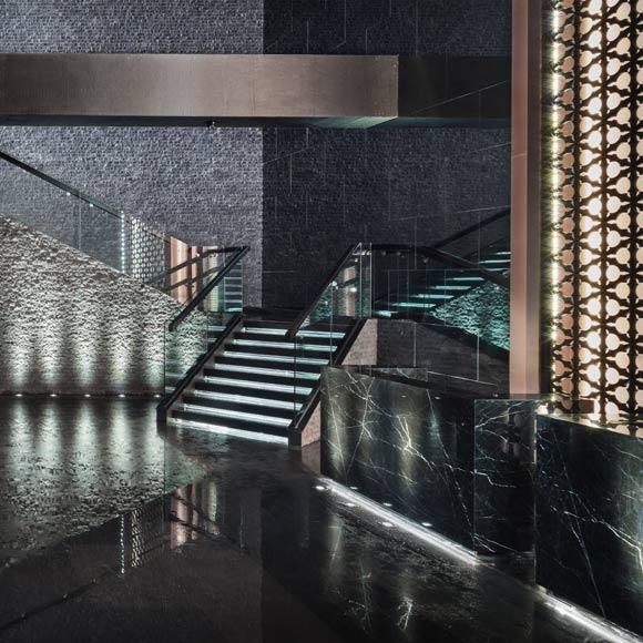 设计师陈子俊运用新中式和具有中国文化底蕴的设计手法为其营造出一