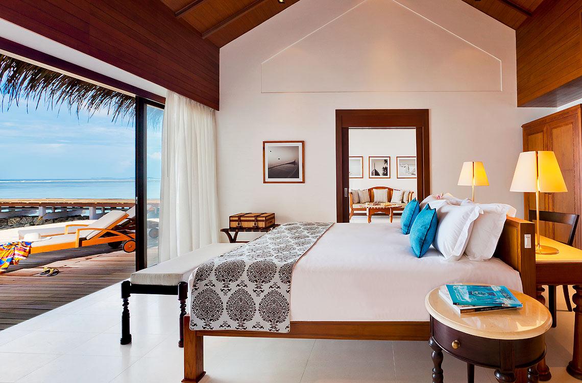时尚的木质和现代家具的运用使酒店的内部空间具有一种独特的华丽气质
