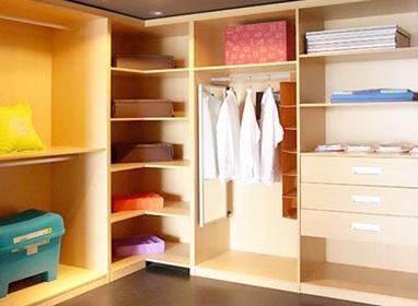 小空间巧规划 小户型的4㎡完美衣帽间_家装大讲堂设计